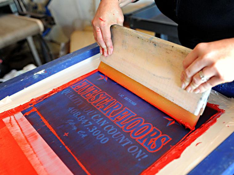 Картинки по запросу шелкотрафаретная печать